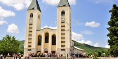 saint_james_church_st-_jakov_medjugorje_-_hotel_pansion_porta_-_bosnia_herzegovina_-_creative_commons_by_gnuckx_4695237966.jpg
