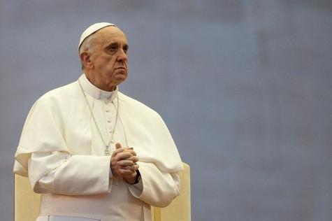 Le-pape-Francois-s-engage-aux-cotes-des-victimes-de-la-guerre-en-Syrie_article_main.jpg