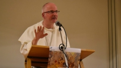 Mgr-Charles-Morerod-évêque-de-Lausanne-Genève-et-Fribourg-et-président-de-la-Conférence-des-évêques-suisses-Photo-Jacques-Berset2-800x450.jpg