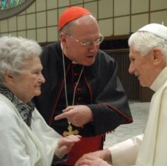 MAMMA-MIA-Timothy-Cardinal-Dolan-introduces-his-84-year-old-mother-Shirley-to-Pope-Benedict-XVI-also-84-yesterday-at-the-Vatican.jpeg