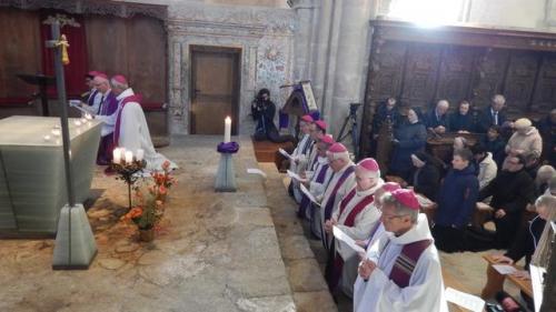ceremonie-de-priere-et-de-penitence-medienmitteilung_fullview.jpg