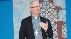 Mgr-Charles-Morerod-évêque-de-Lausanne-Genève-et-Fribourg-Photo-Jacques-Berset-800x450-1.jpg