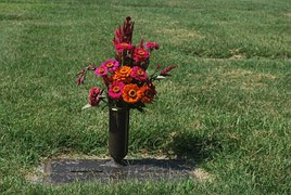 grave-15623__180.jpg