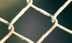fencing-22664__180.jpg