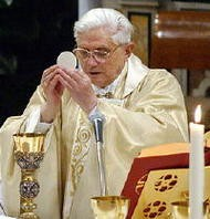 pope_benedict_xvi_celebrating_mass.jpg