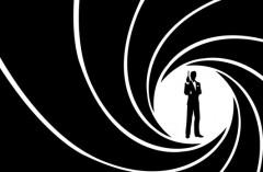 Generiques-de-James-Bond-les-versions-refusees-de-Johnny-Cash-Alice-Cooper-Blondie-Pulp_portrait_w858.jpg