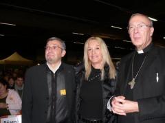Mgr-Lonard-Vassula-et-Carlos-Payan.jpg