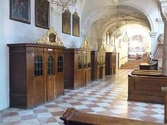 confessional-122763__180.jpg