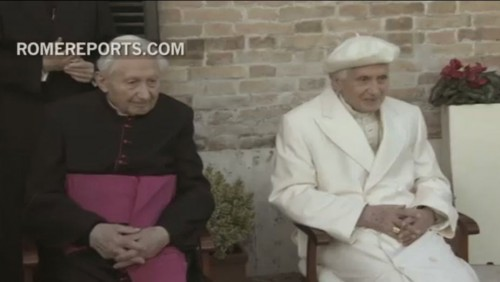 rencontre du pape francois avec benoit 16